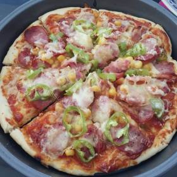 田园彩蔬培根披萨