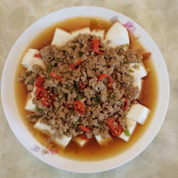 腊豆肉末蒸豆腐