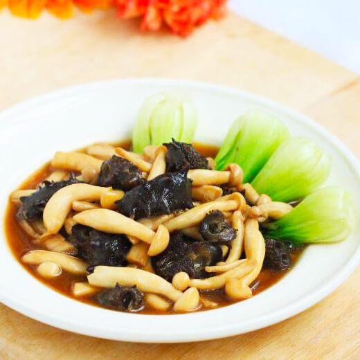 海鲜菇烩海参