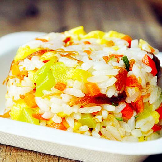 彩蔬里脊炒饭