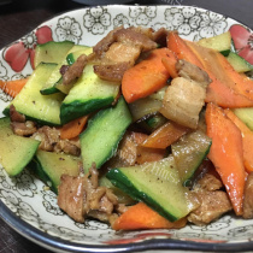 清炒黄瓜萝卜片