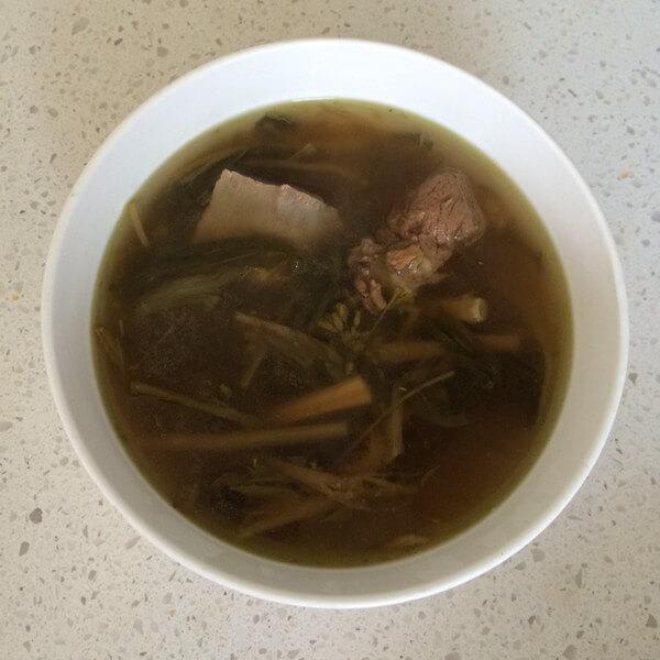 菜干煲猪骨汤