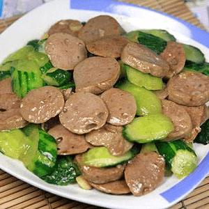 黄瓜炒牛肉丸