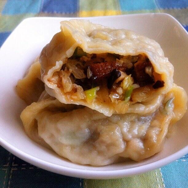 香菇白菜熟肉蒸饺