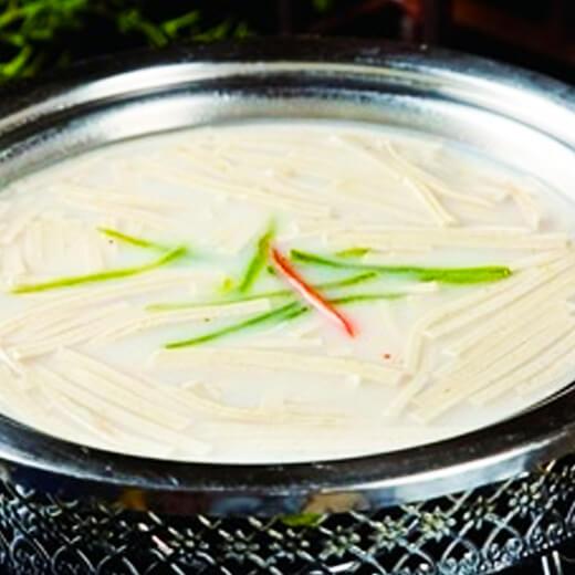 芹菜鱼头汤