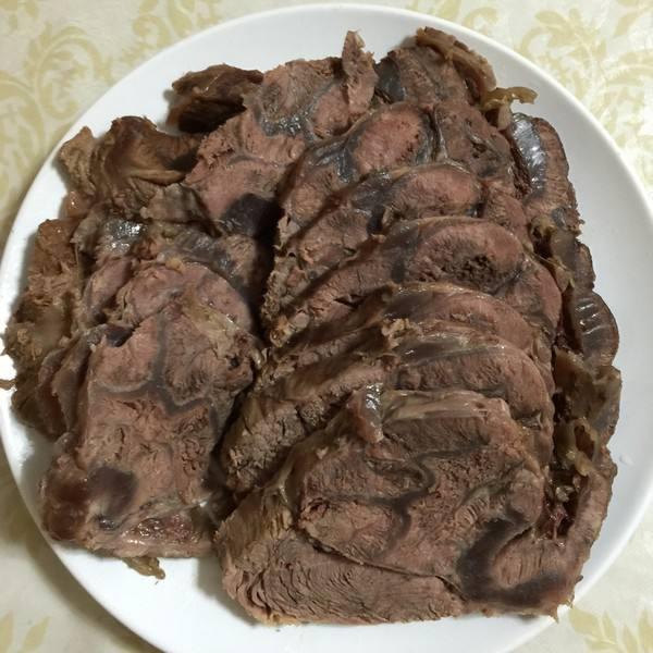 卤干切牛肉