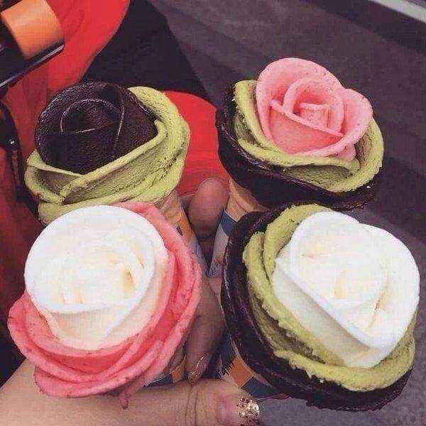 玫瑰酸奶冰淇淋