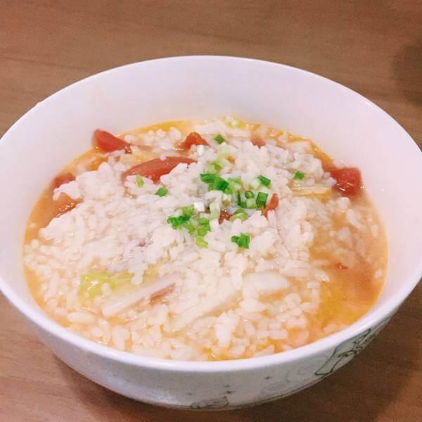 番茄蛋黄燕麦片粥