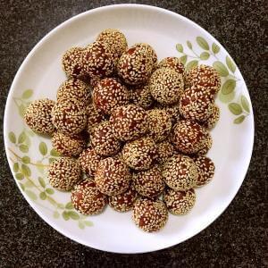 蛋白椰蓉芝麻球