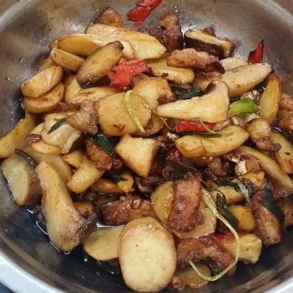 常吃不腻的回锅杏鲍菇