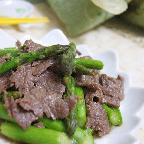 味道不错的芦笋炒牛肉