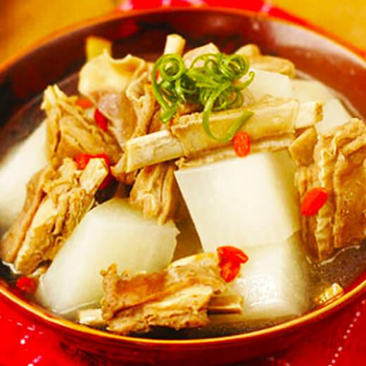 白萝卜羊排汤