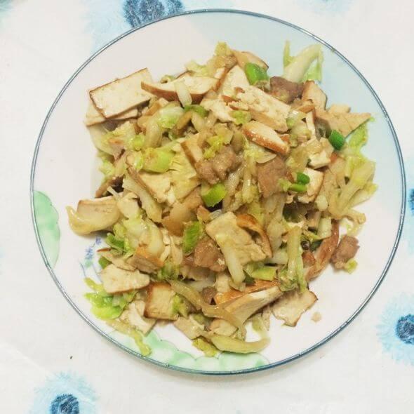 白菜杆子炒豆腐干