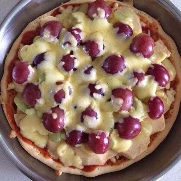 鲜桃苹果披萨