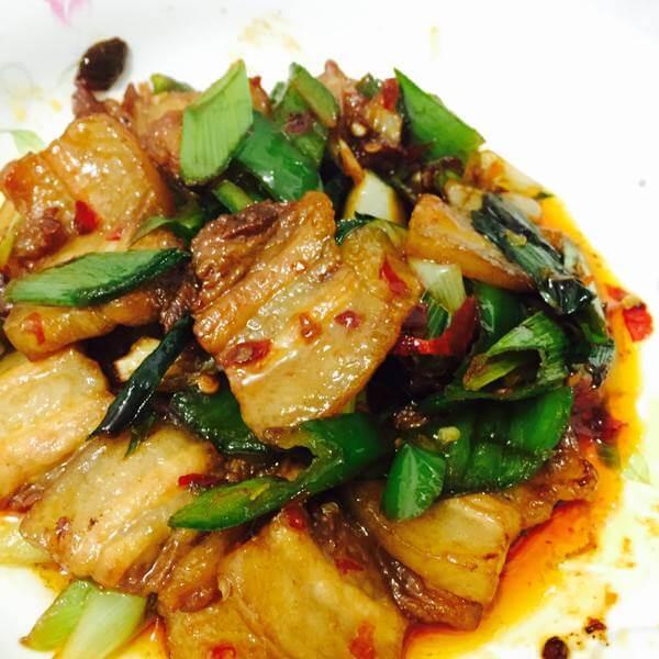 土豆片烩回锅肉