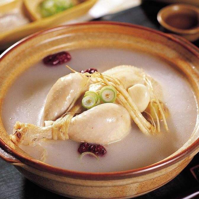 美味韩式人参鸡汤