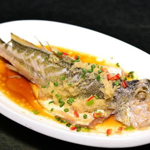 美味的豆瓣苋菜蒸黄鱼