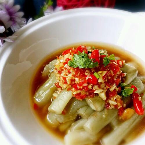 咸鱼焖白茄