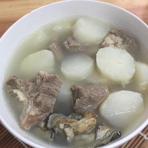 美味淮山煲猪骨汤
