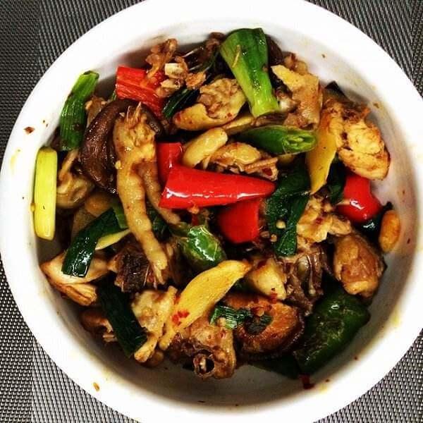 秋葵炒鸡肉
