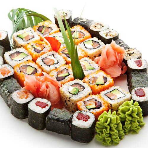 美味牛油果黄瓜寿司