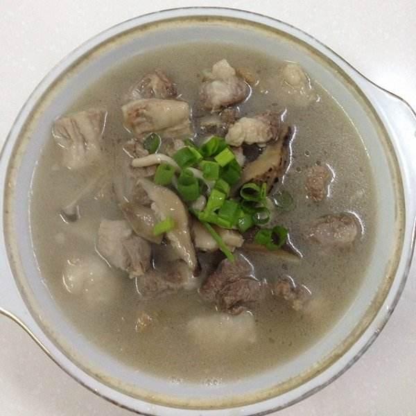 鲜菇排骨汤