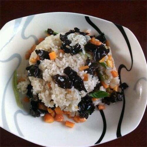 黑豆胡萝卜炒饭