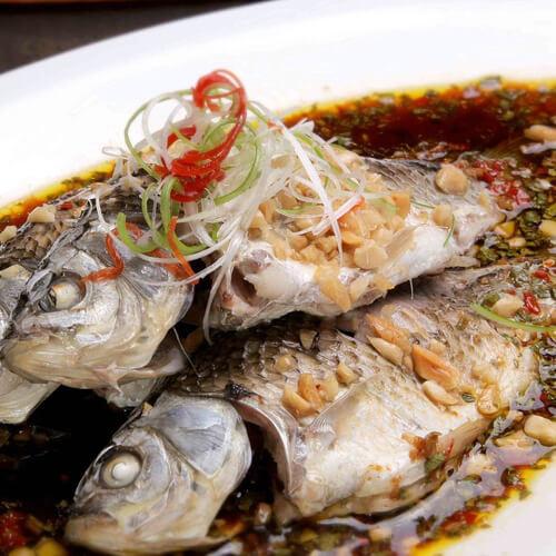 美味的双椒蒸非洲鲫鱼