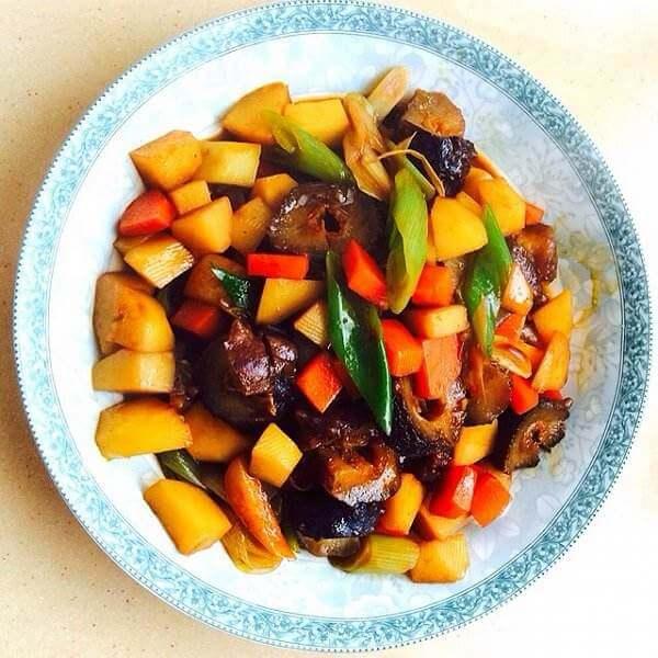 炒菜椒胡萝卜丁