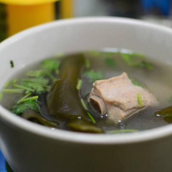 好吃的鸡腿菇海带排骨汤