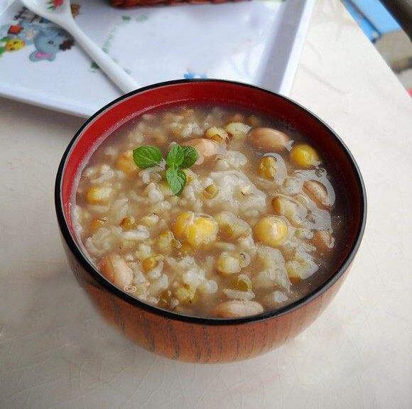 绿豆花生糯米粥