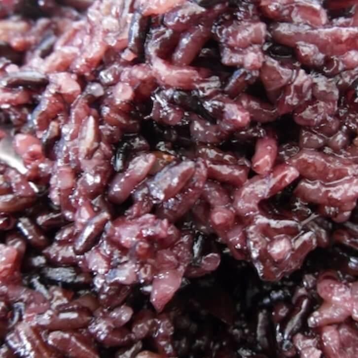 营养的黑米米饭