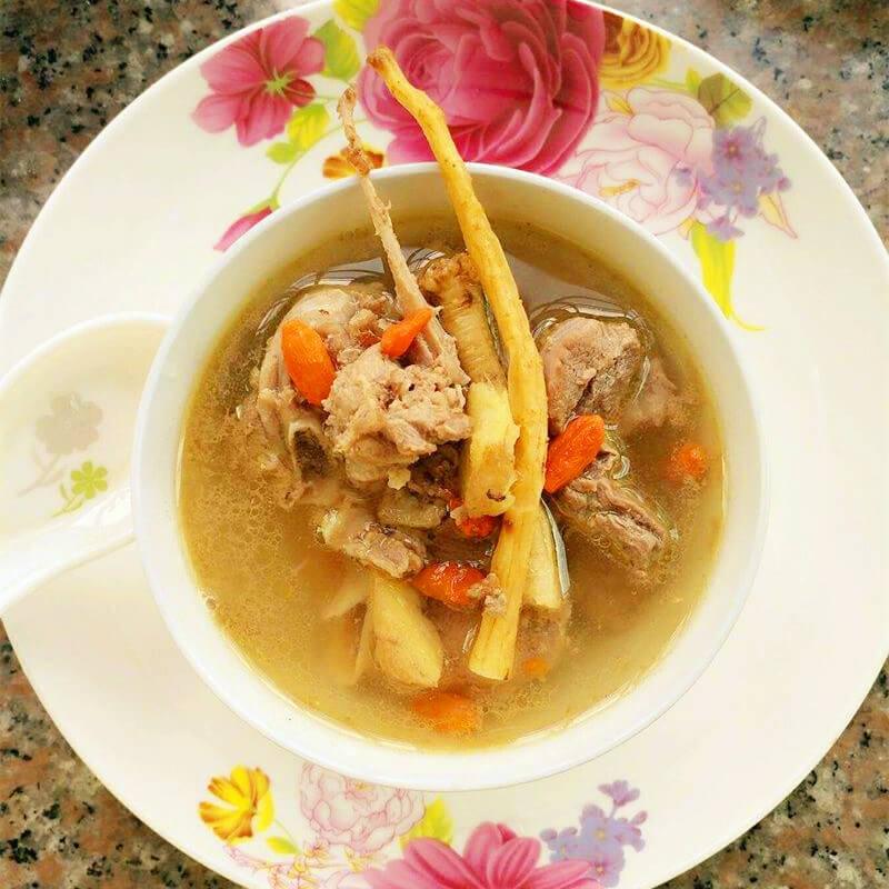酸菜鹅肉海带汤