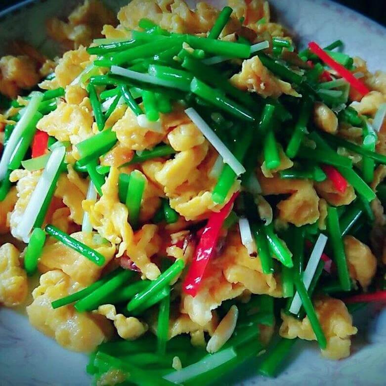 韭菜肉丝辣椒小炒