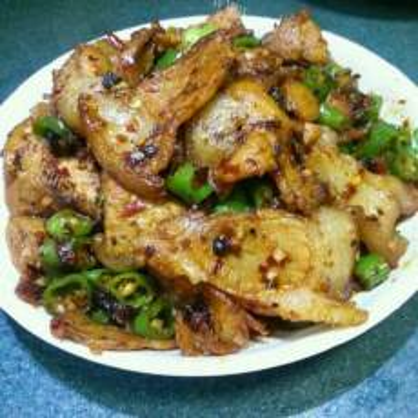 美味的青红椒炒回锅肉