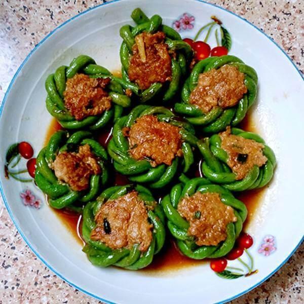 美味的豇豆蒸菜