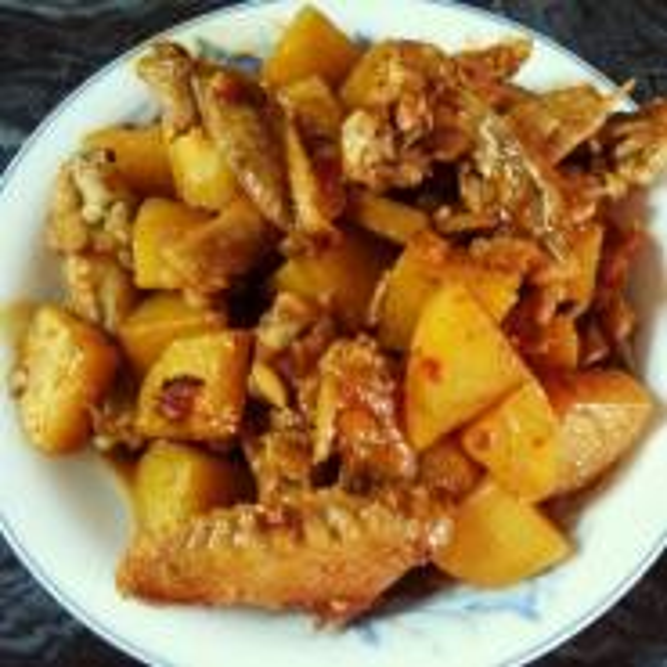 土豆焖咸鸡