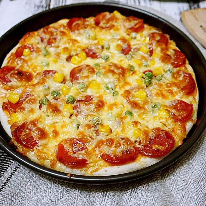 香甜可口的意式披萨