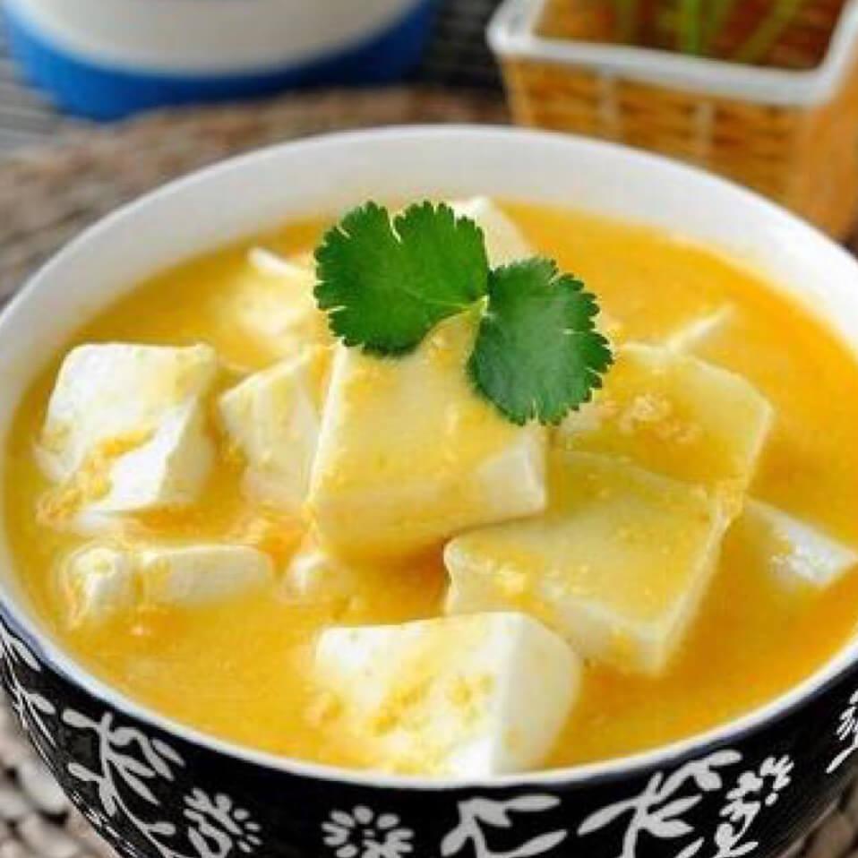 好吃的咸蛋蒸豆腐