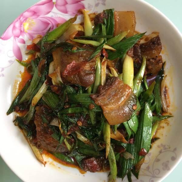 莲花白回锅肉