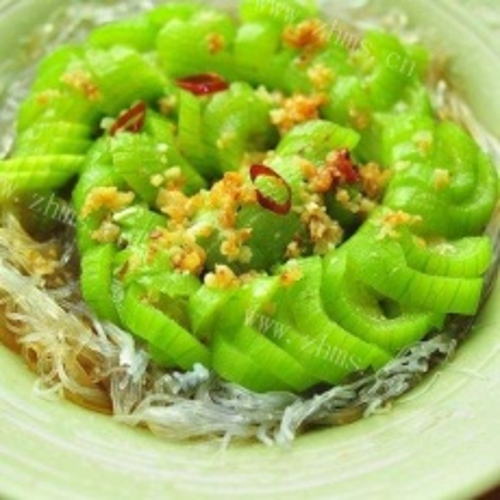 鲜美的剁椒丝瓜蒸粉条