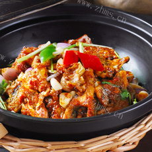 家常鲢鱼砂锅煲