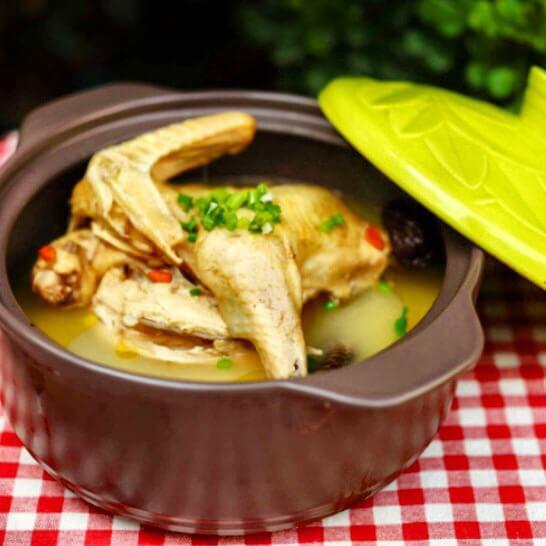 海螺椰片煲鸡汤
