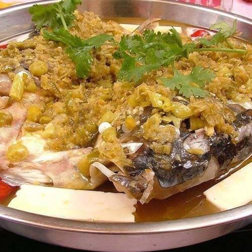 剁椒鱼头蒸豆腐