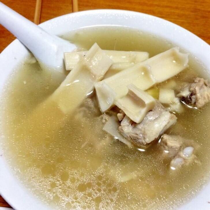 美味的笋干炖猪颈骨