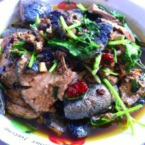 老豆腐烧鳊鱼