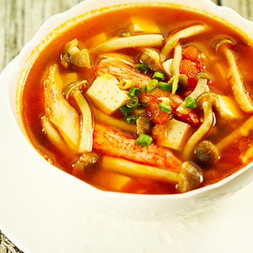 简单版蟹味菇蔬菜汤