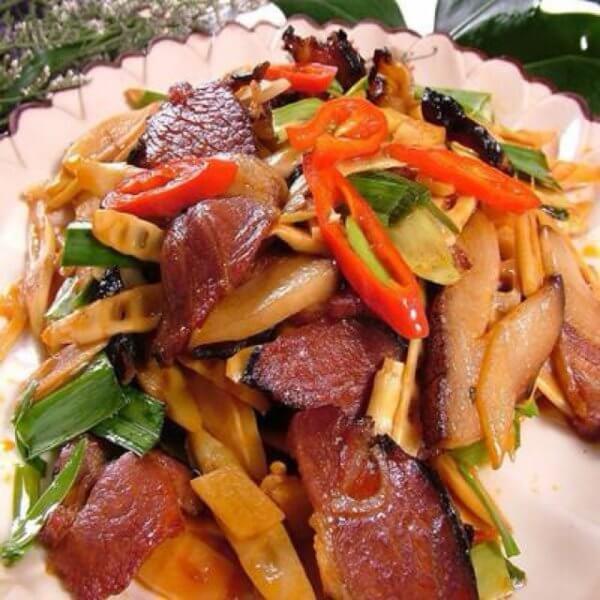 腊五花肉炒笋