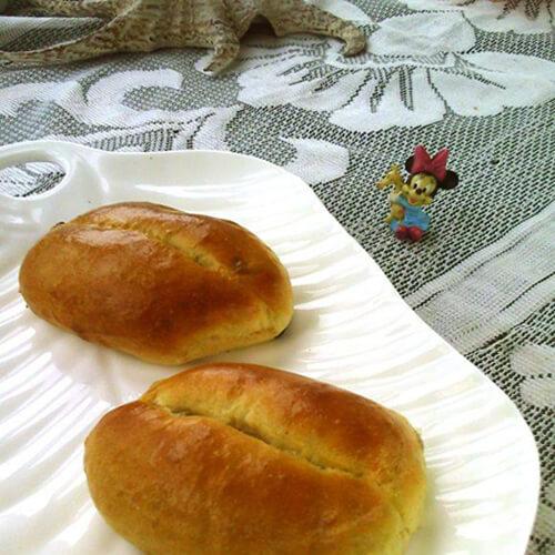 桂皮葡萄干面包卷