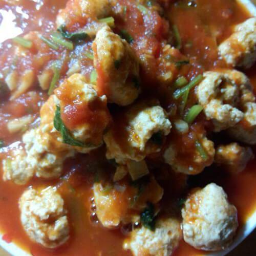 营养美味番茄烧鸡肉丸子